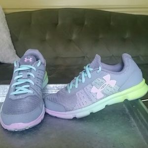 Girls size 3 Under Armour sneakers